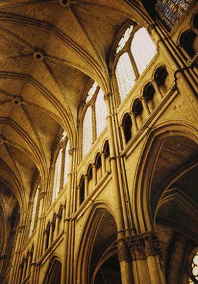 Реймс, кафедральний собор Нотр-Дам. Фрагмент інтер'єру головної нави (1211–1250)